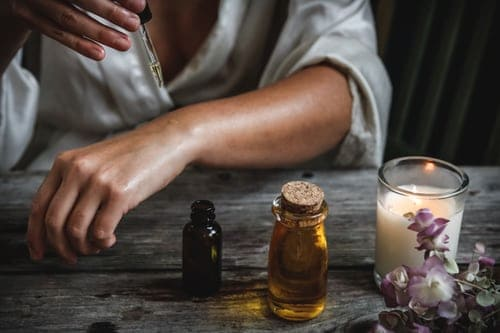 Essential Oils And Other Accessories To Improve Your Mediation